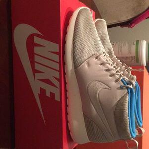 Nike Rosherun Mid 10.5